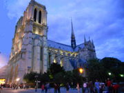 Stephanie's photo blog of a month in Paris. http://www.enjoy-europe.com/NotreDame-dscn0499-s.jpg