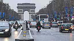The Avenue des Champs Elysees in Paris France. http://www.enjoy-europe.com/home/18-0440-3.jpg