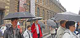 Smart visitors to Paris France always have an umbrella in their day pack. http://www.enjoy-europe.com/home/29-DSCN1166-3.jpg-3.jpg