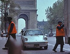 Parking in Paris. http://www.enjoy-europe.com/hte/chap18/Chap18images/7x0027PorscheTriomphe.jpg