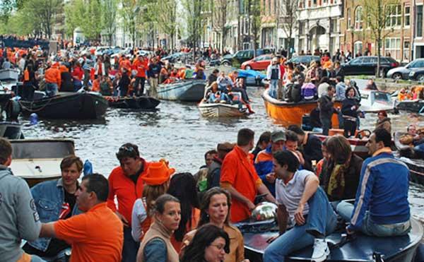 Traffic Jam, Amsterdam Canal